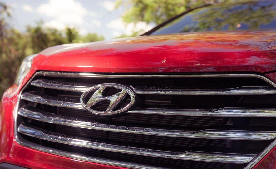 2013 Hyundai Santa Fe Limited AWD - Slide 17