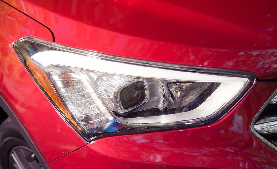 2013 Hyundai Santa Fe Limited AWD - Slide 18