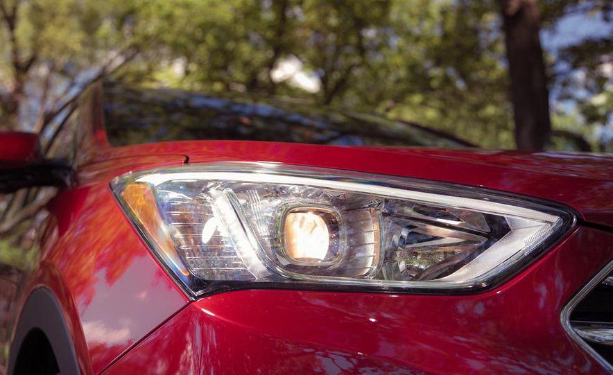 2013 Hyundai Santa Fe Limited AWD - Slide 19