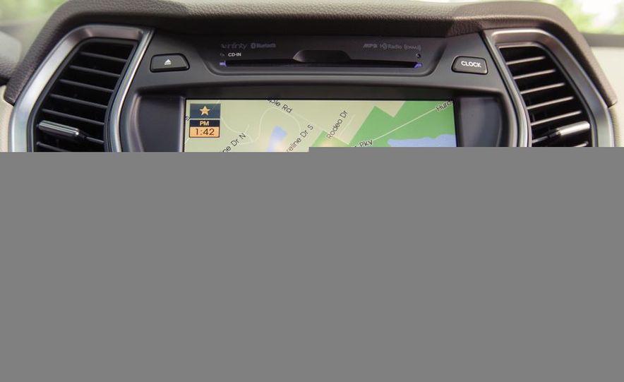 2013 Hyundai Santa Fe Limited AWD - Slide 34