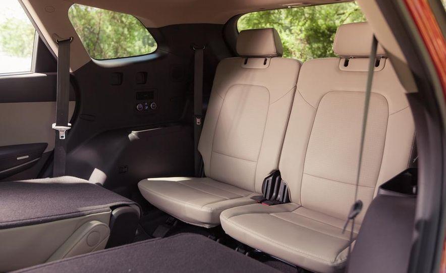 2013 Hyundai Santa Fe Limited AWD - Slide 29