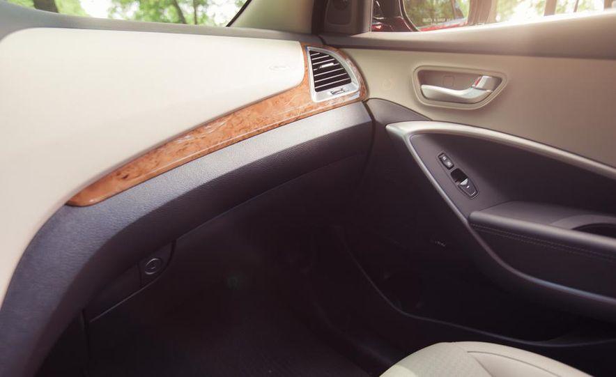 2013 Hyundai Santa Fe Limited AWD - Slide 38