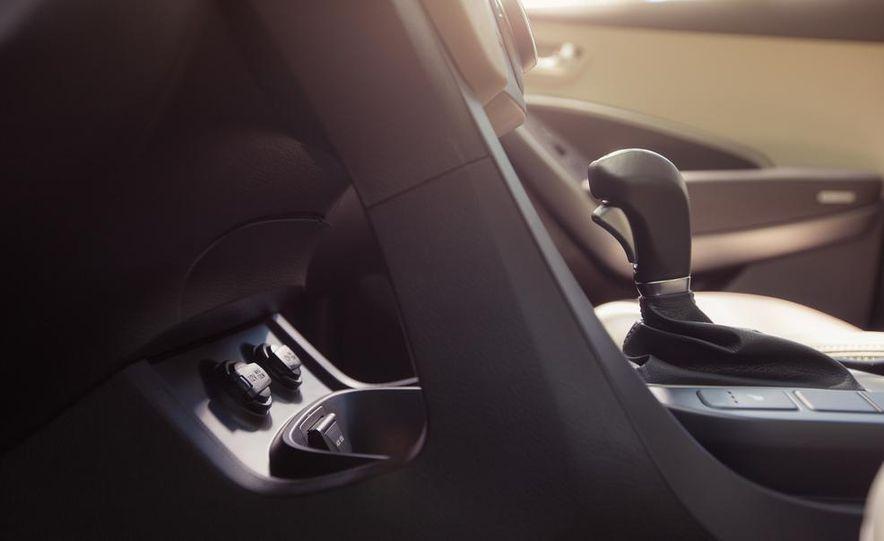 2013 Hyundai Santa Fe Limited AWD - Slide 42