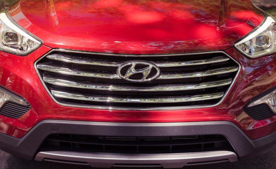 2013 Hyundai Santa Fe Limited AWD - Slide 16