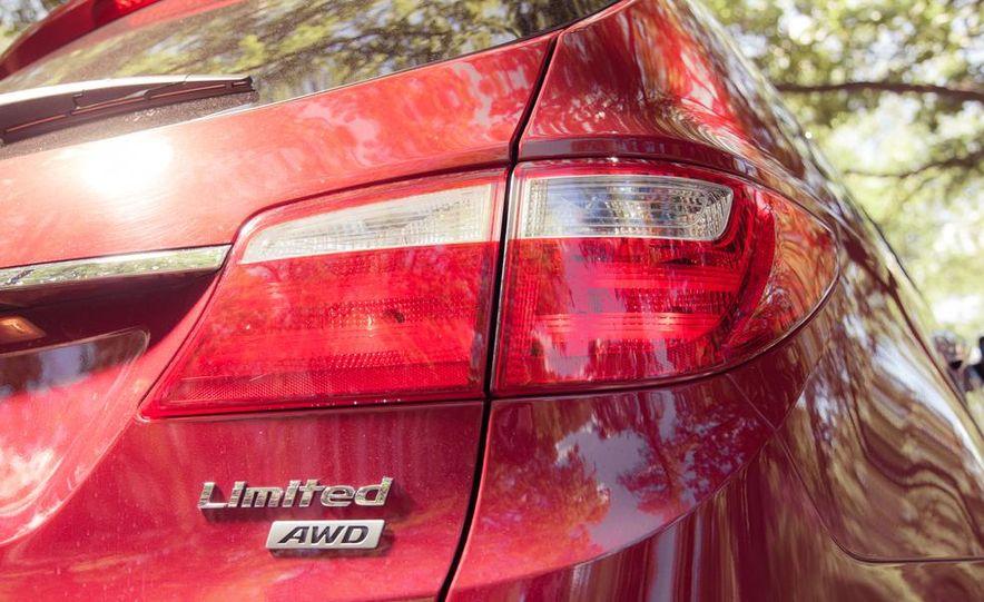 2013 Hyundai Santa Fe Limited AWD - Slide 23