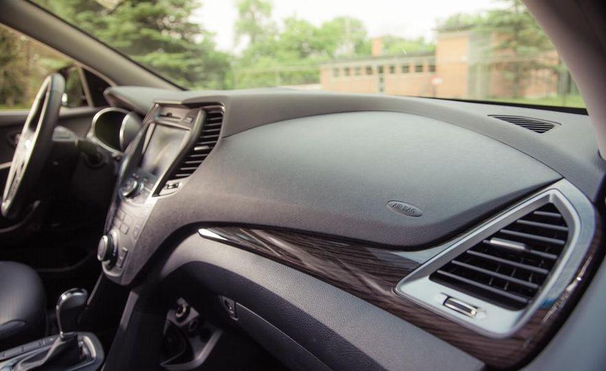 2013 Hyundai Santa Fe Limited AWD - Slide 53