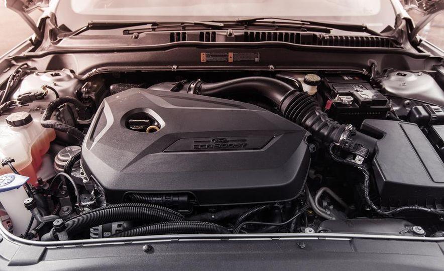 2013 Ford Fusion SE - Slide 29