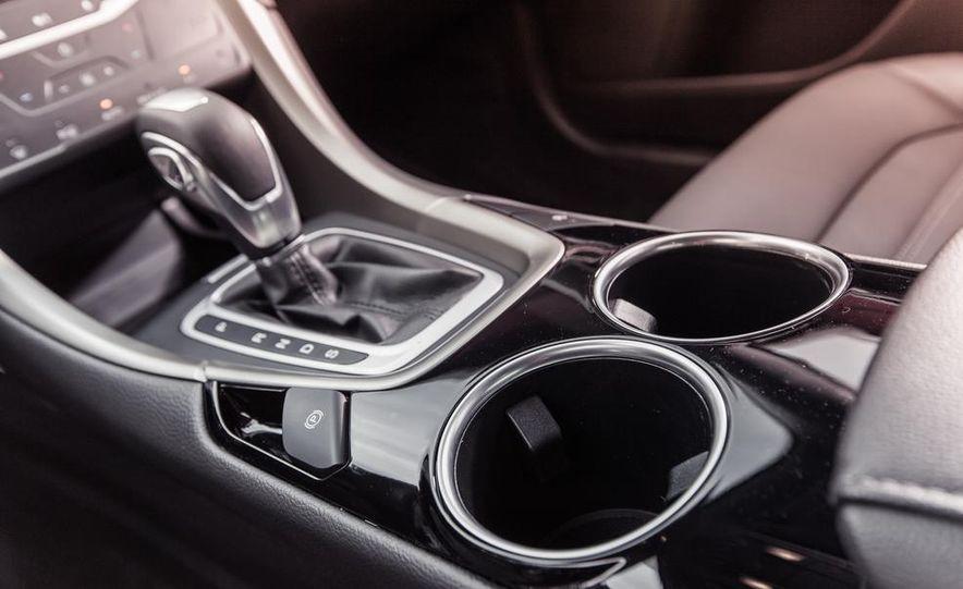 2013 Ford Fusion SE - Slide 27