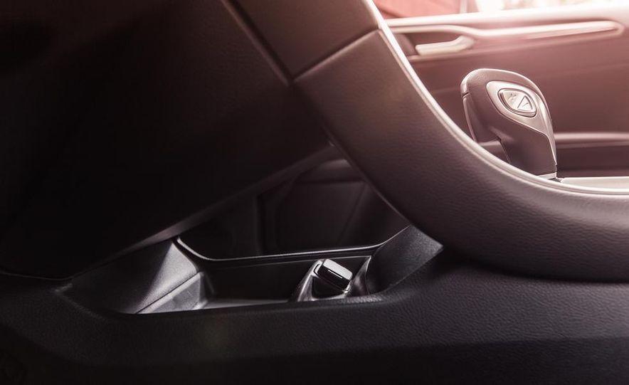 2013 Ford Fusion SE - Slide 28