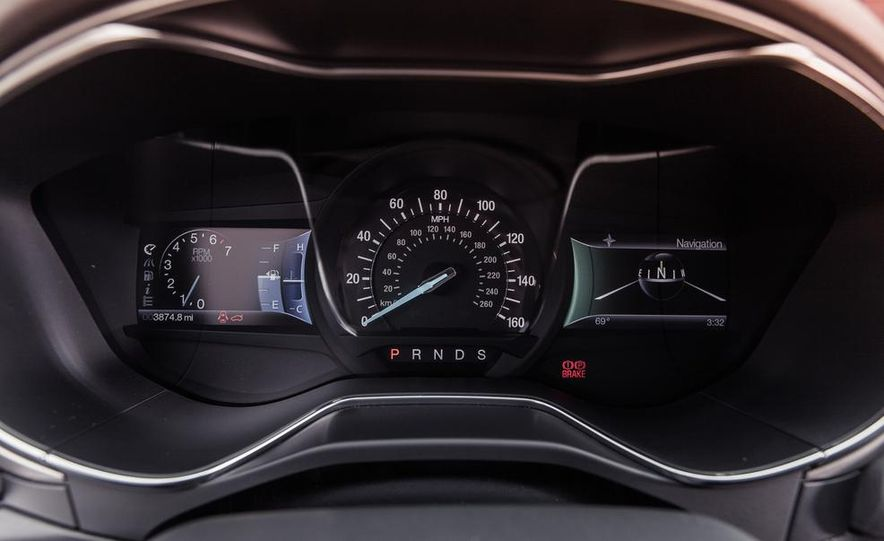 2013 Ford Fusion SE - Slide 23