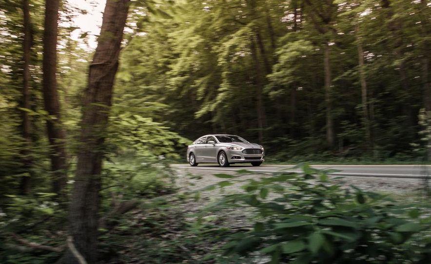 2013 Ford Fusion SE - Slide 1