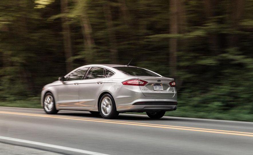 2013 Ford Fusion SE - Slide 7