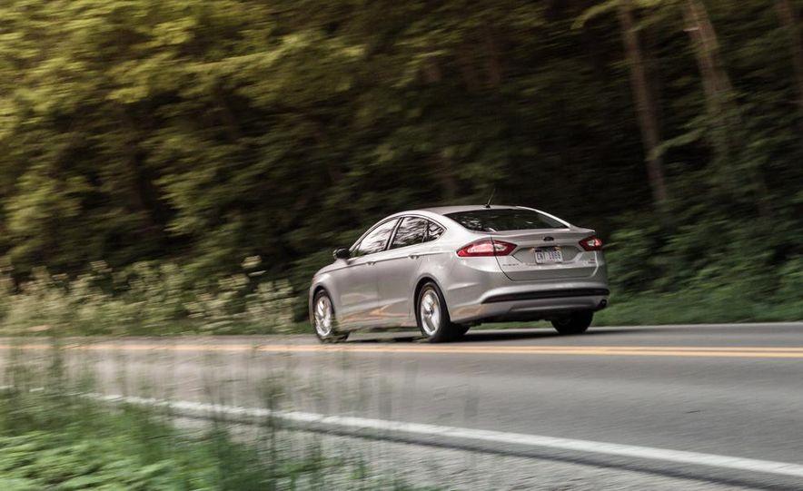 2013 Ford Fusion SE - Slide 8