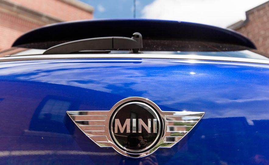 2013 Mini Cooper S Paceman ALL4 - Slide 23