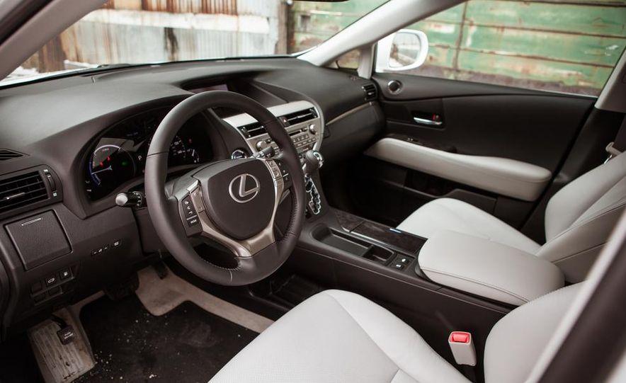 2013 Lexus RX450h - Slide 31
