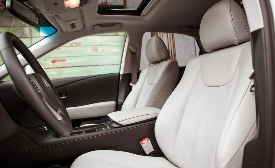 2013 Lexus RX450h - Slide 32