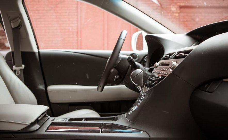 2013 Lexus RX450h - Slide 35