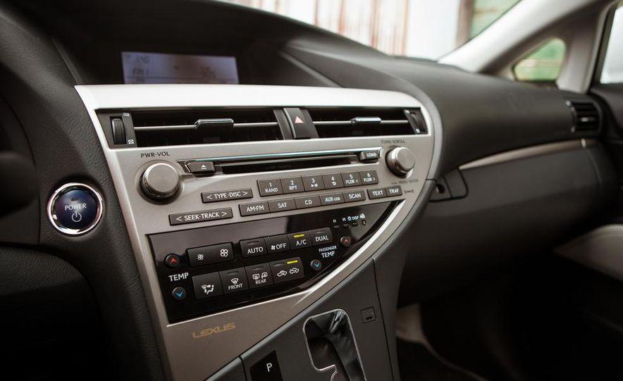 2013 Lexus RX450h - Slide 41