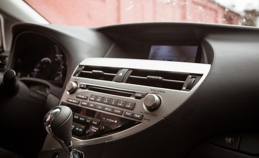 2013 Lexus RX450h - Slide 43