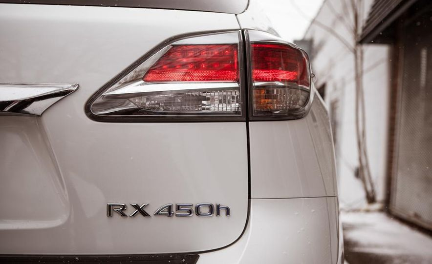 2013 Lexus RX450h - Slide 26