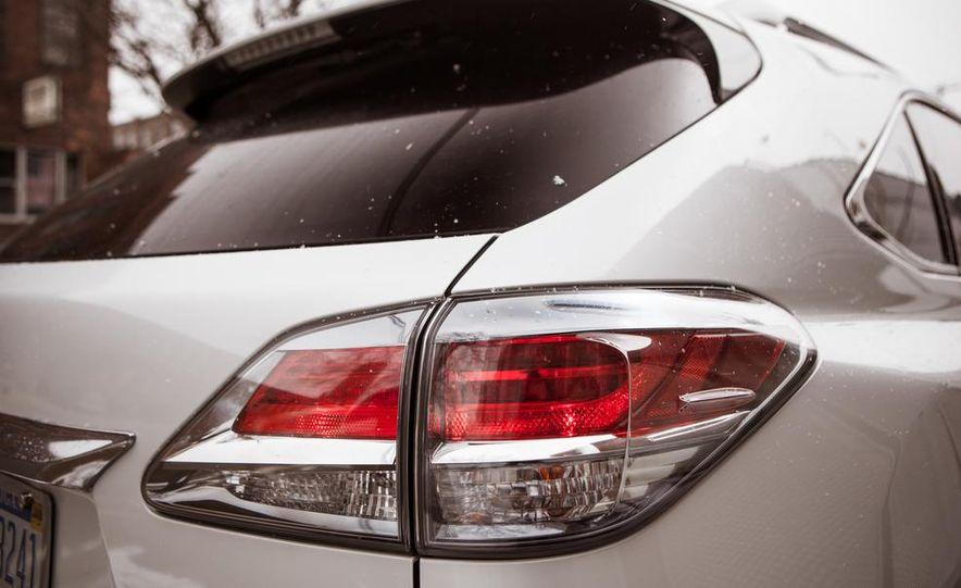 2013 Lexus RX450h - Slide 28