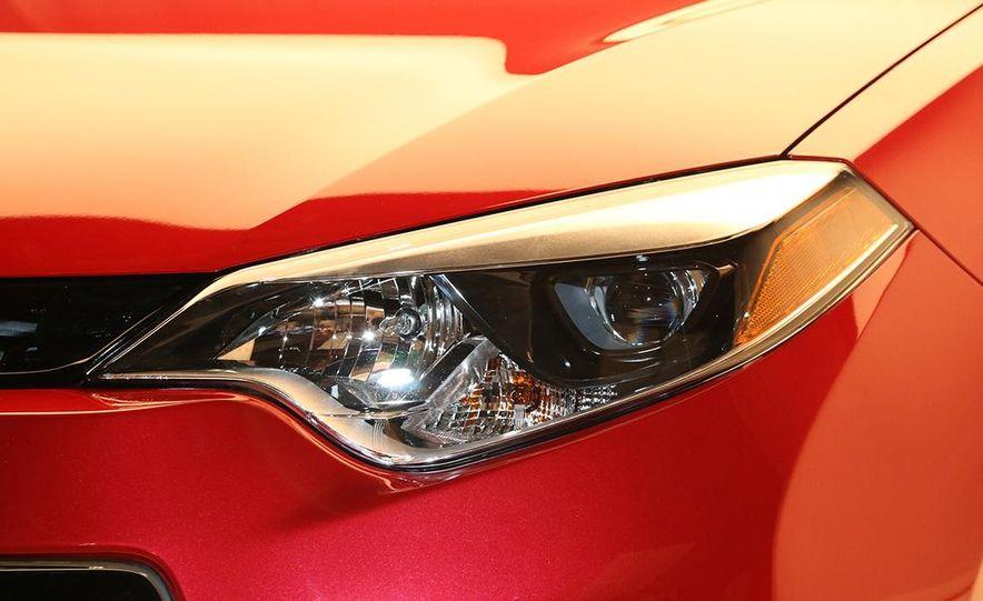 2014 Toyota Corolla - Slide 21
