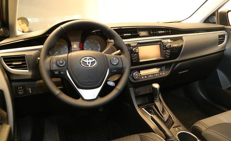 2014 Toyota Corolla - Slide 24