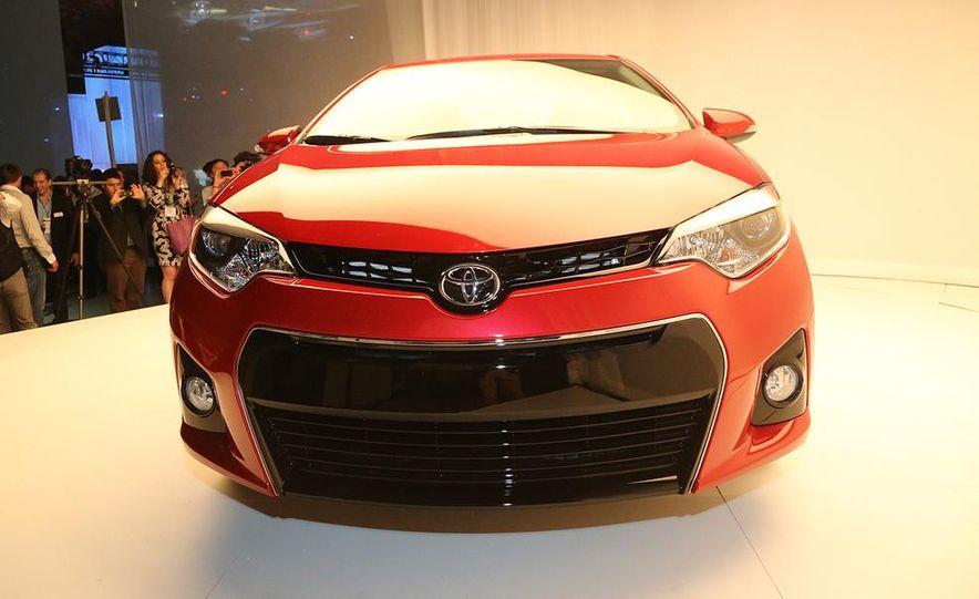 2014 Toyota Corolla - Slide 14