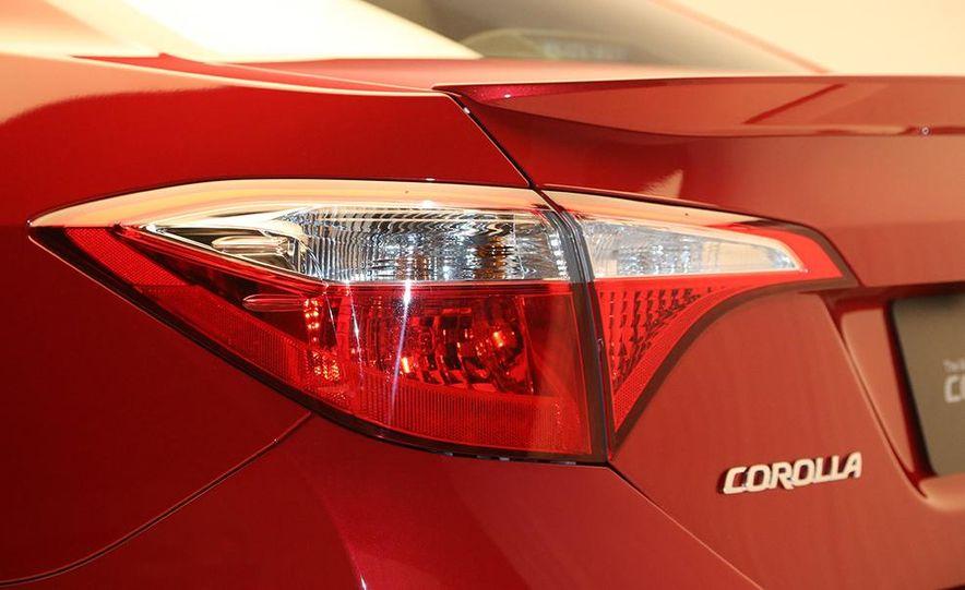 2014 Toyota Corolla - Slide 22