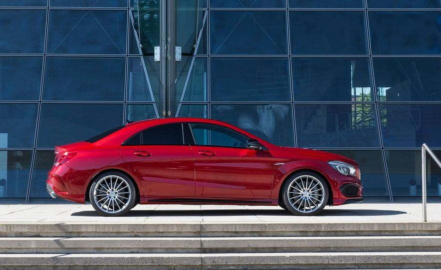 2014 Mercedes-Benz CLA45 AMG 4MATIC - Slide 10