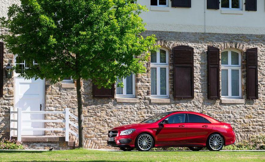 2014 Mercedes-Benz CLA45 AMG 4MATIC - Slide 16
