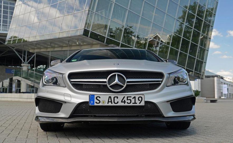 2014 Mercedes-Benz CLA45 AMG 4MATIC - Slide 33