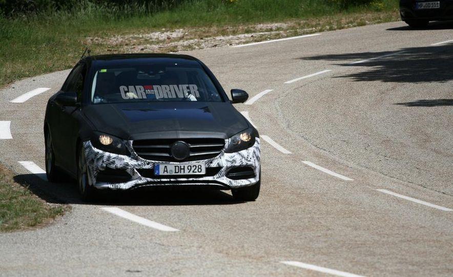 2015 Mercedes-Benz C-class sedan (spy photo) - Slide 2