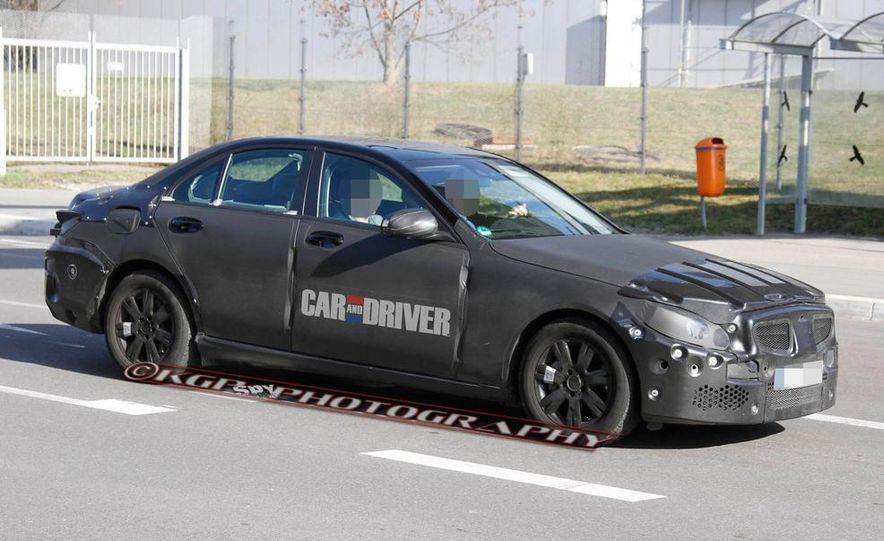 2015 Mercedes-Benz C-class sedan (spy photo) - Slide 24