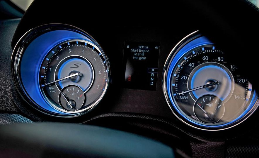 2013 Chrysler 300S - Slide 16