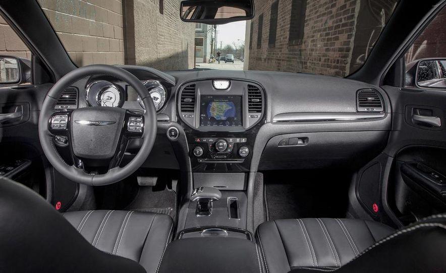 2013 Chrysler 300S - Slide 15