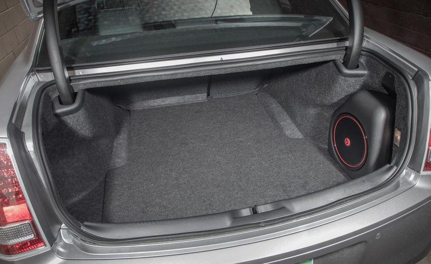 2013 Chrysler 300S - Slide 13