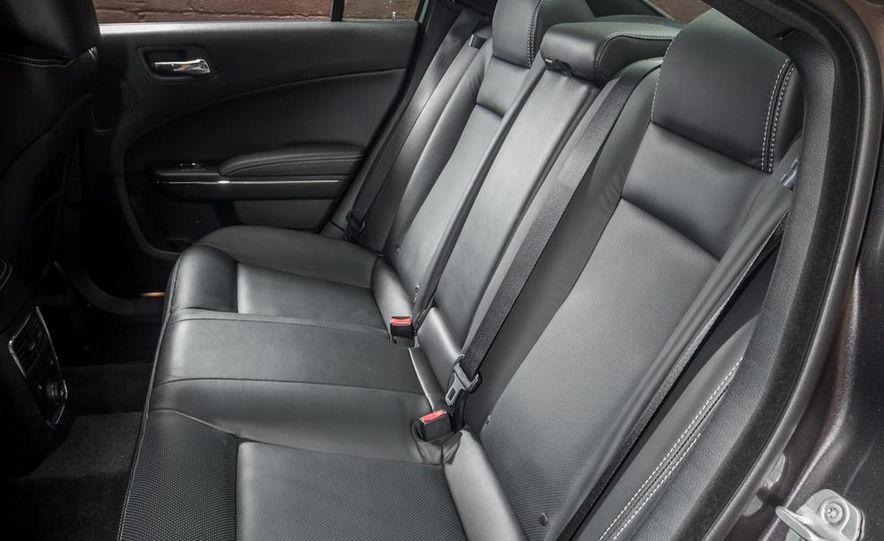 2013 Chrysler 300S - Slide 25