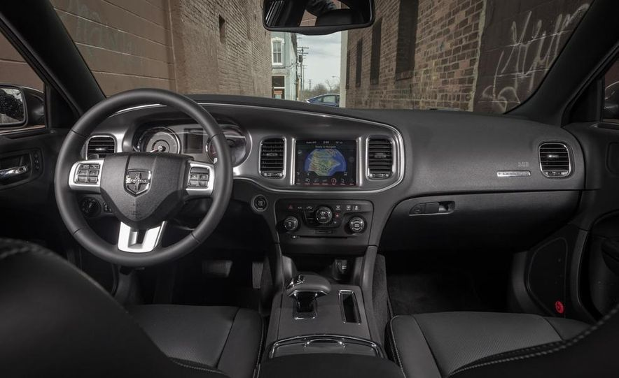 2013 Chrysler 300S - Slide 26