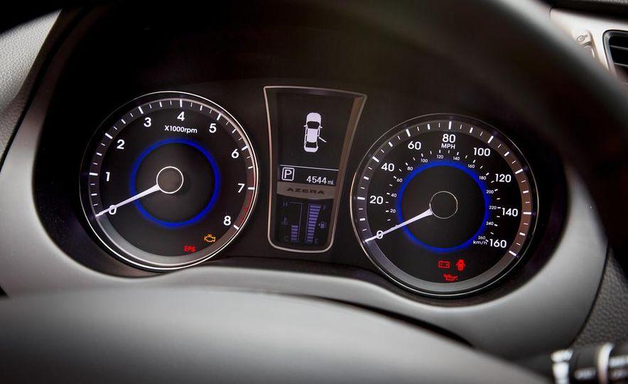 2013 Chrysler 300S - Slide 46