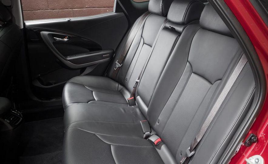 2013 Chrysler 300S - Slide 41