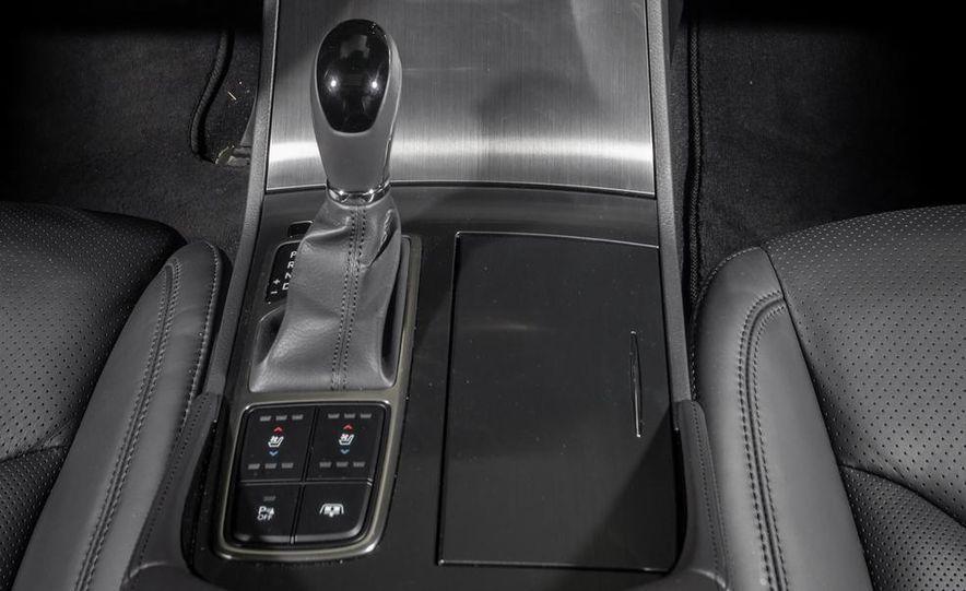 2013 Chrysler 300S - Slide 43