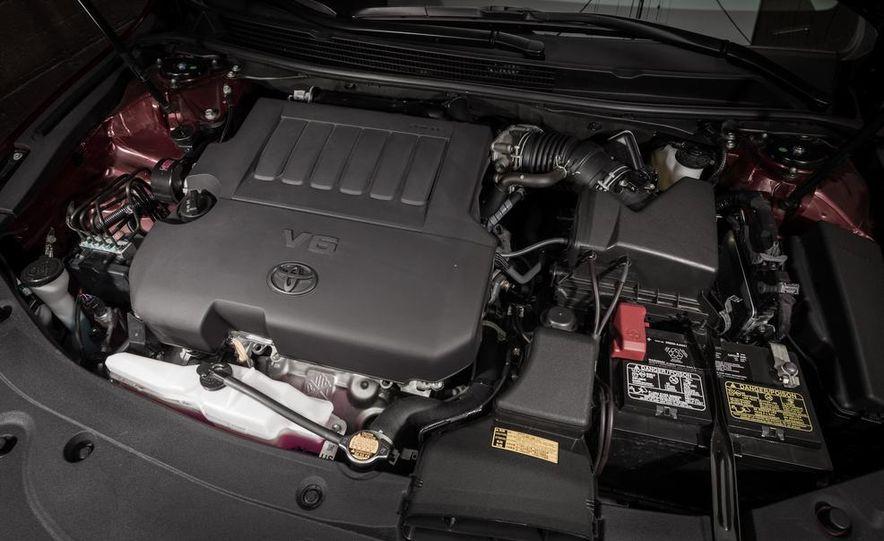 2013 Chrysler 300S - Slide 64