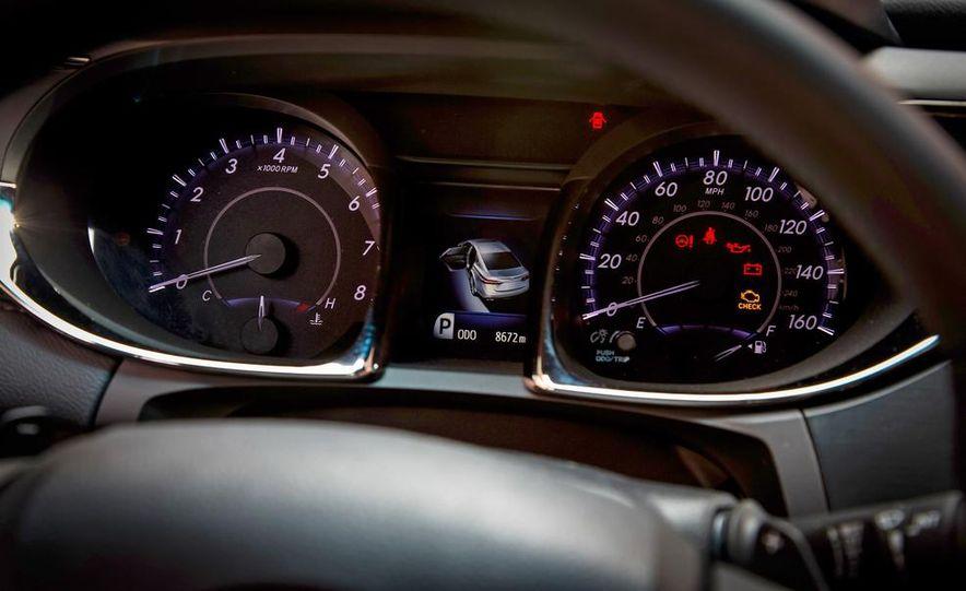 2013 Chrysler 300S - Slide 66