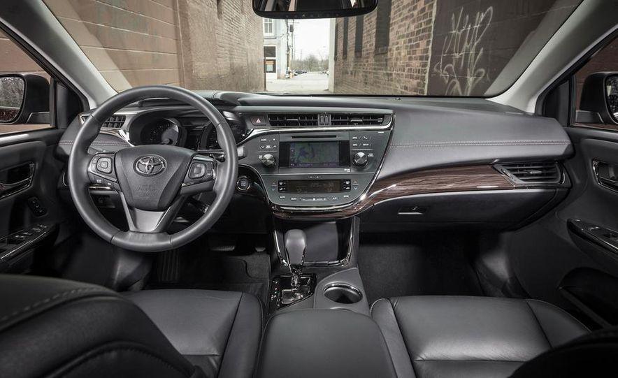 2013 Chrysler 300S - Slide 65