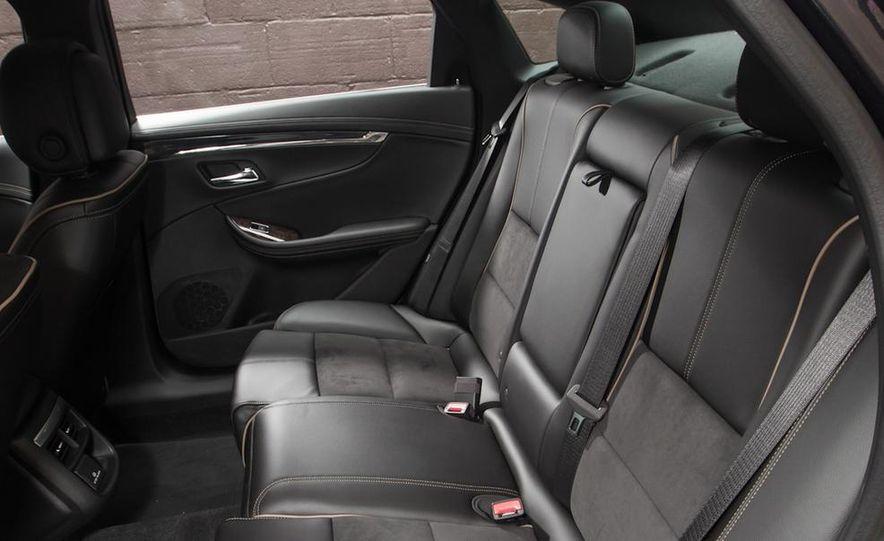 2013 Chrysler 300S - Slide 81