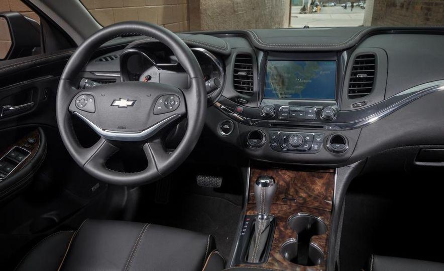 2013 Chrysler 300S - Slide 83