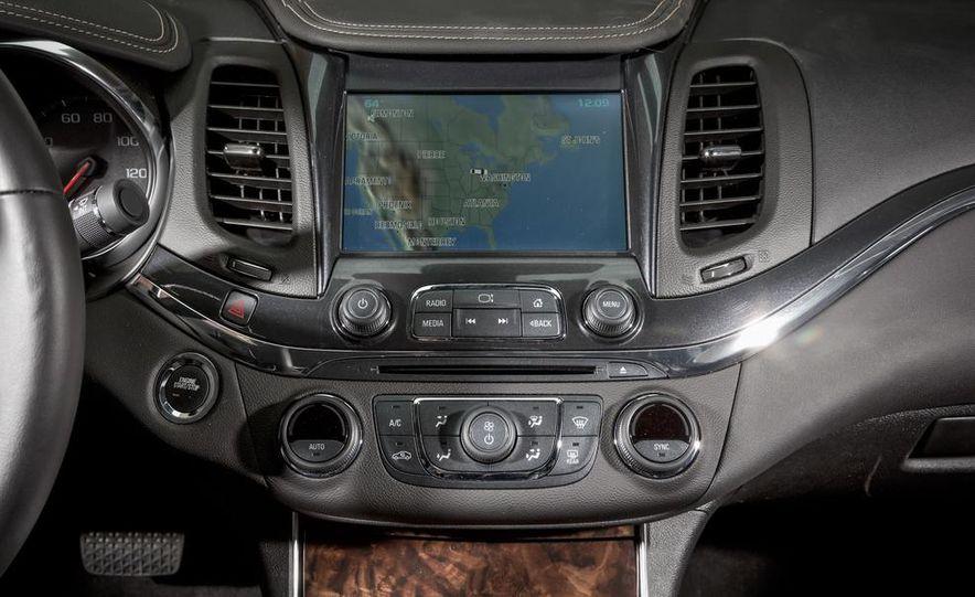 2013 Chrysler 300S - Slide 75