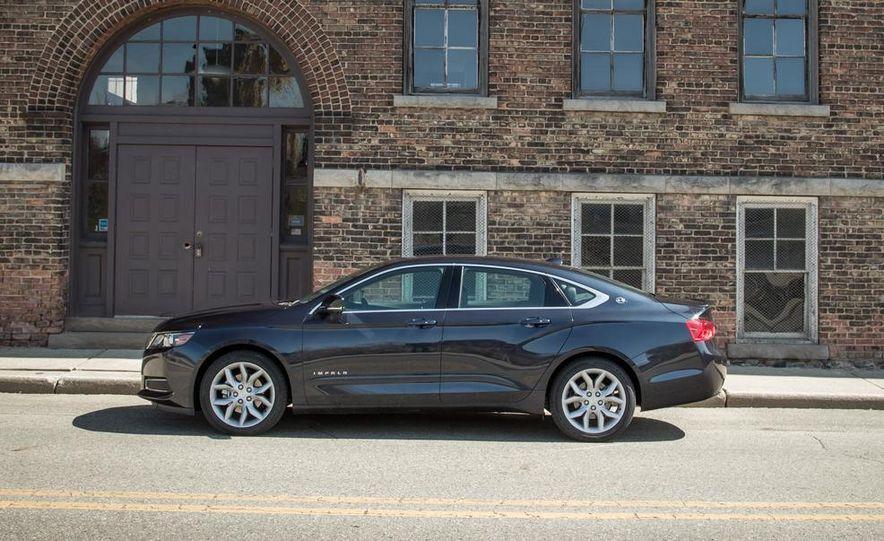 2013 Chrysler 300S - Slide 73