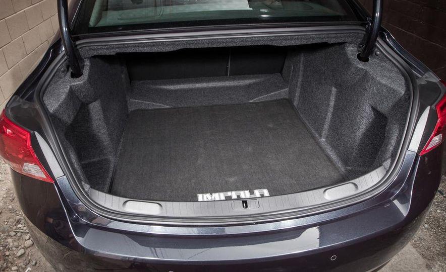 2013 Chrysler 300S - Slide 80